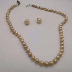 Perlenkette mit Ohrringe